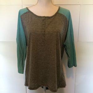 Torrid size 1 1x women's gray and sea foam shirt